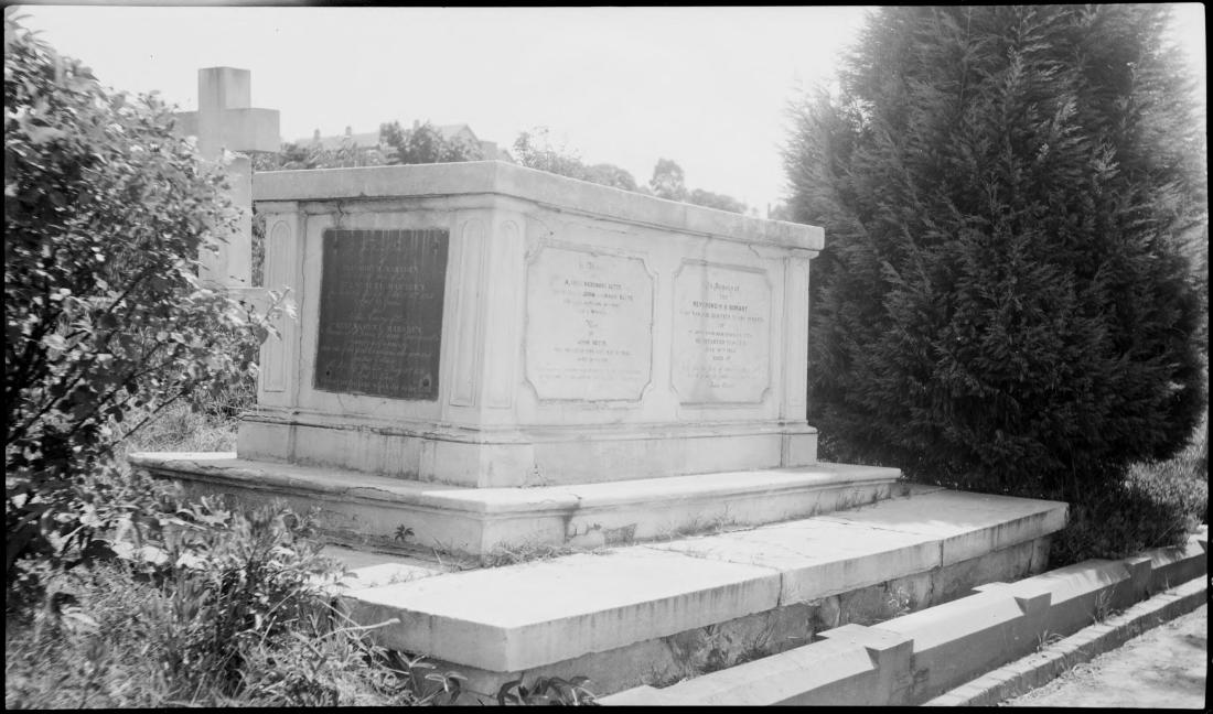 Marsden, Bobart Grave